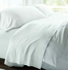 d5d178afda2 The Cariloha Resort Bamboo Sheets 4-Piece Sheet Set with Luxurious Sateen  Weave.